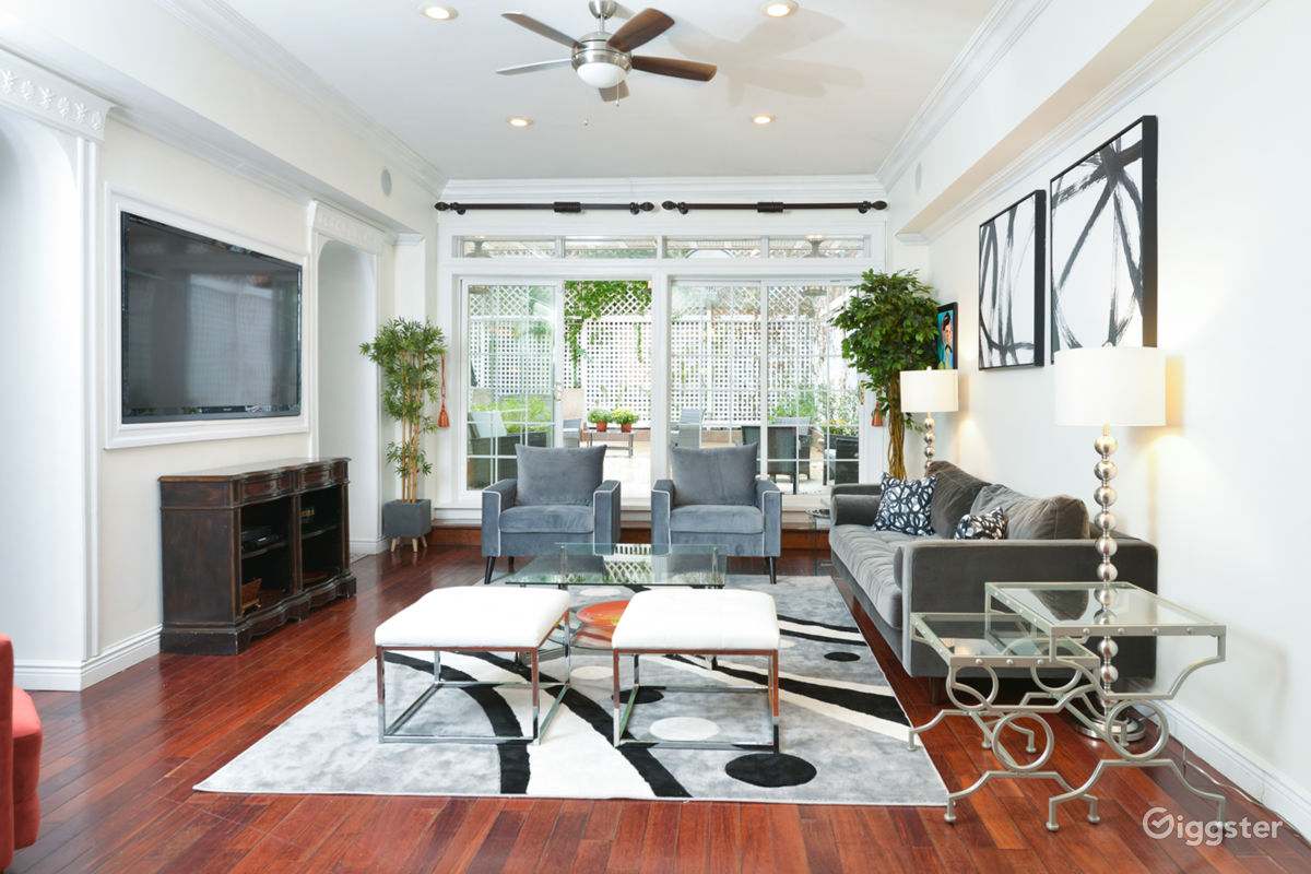Rent Modern Townhouse With Backyard Patio House (residential) for ...