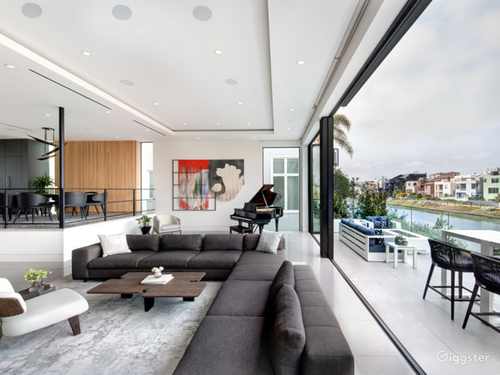 Luxury, Modern, Beach and Canal Home in Venice Photo 4