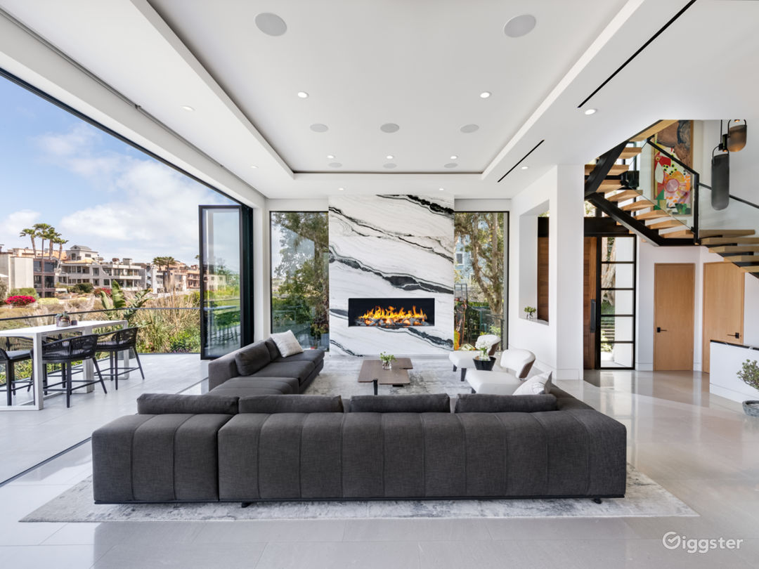 Luxury, Modern, Beach and Canal Home in Venice Photo 1
