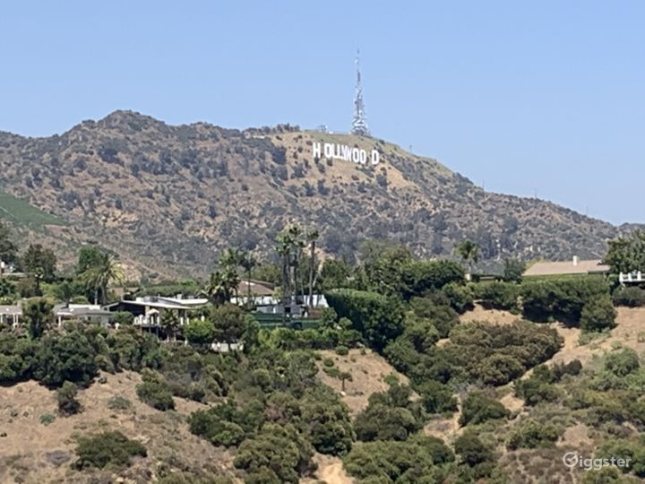 looking east at Hollywood sign