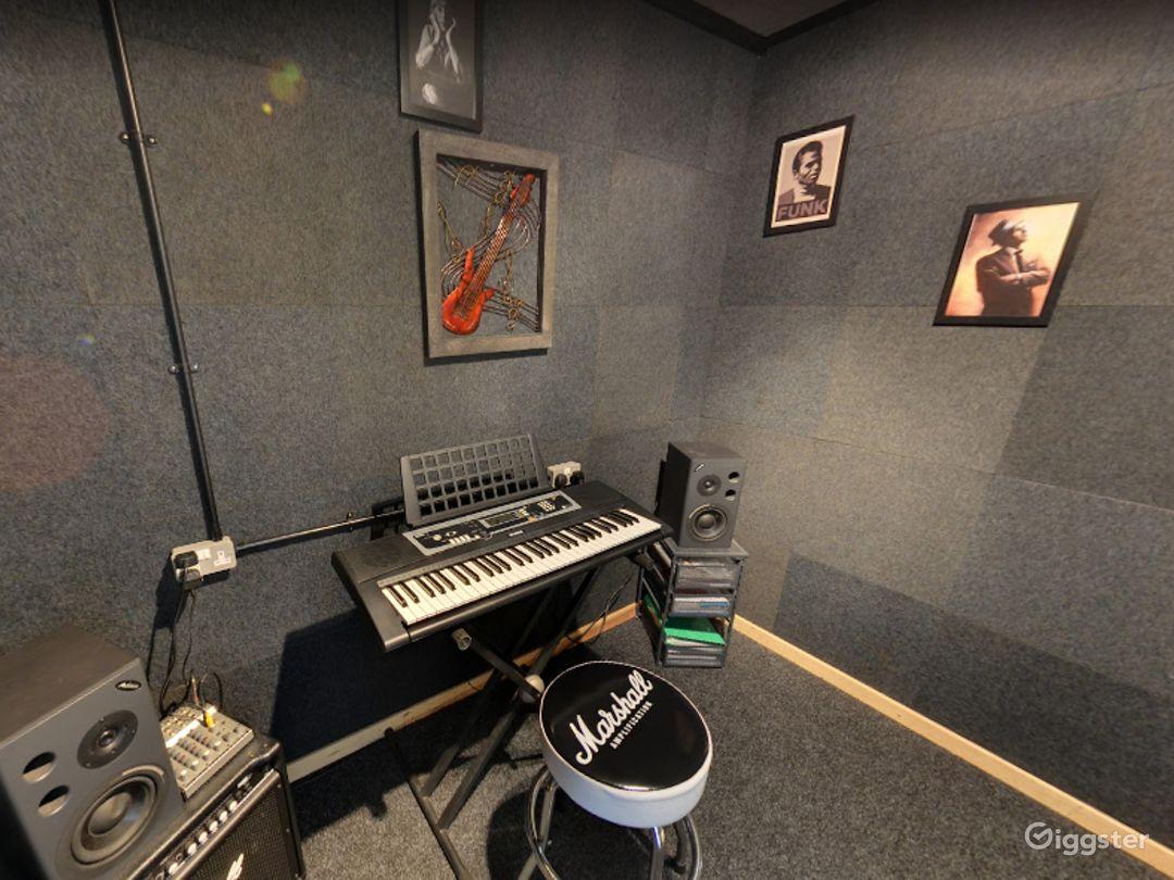 Music Room 6 in Birmingham Photo 1