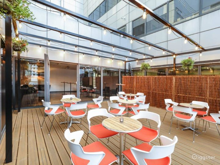 Event space in Docklands Photo 2