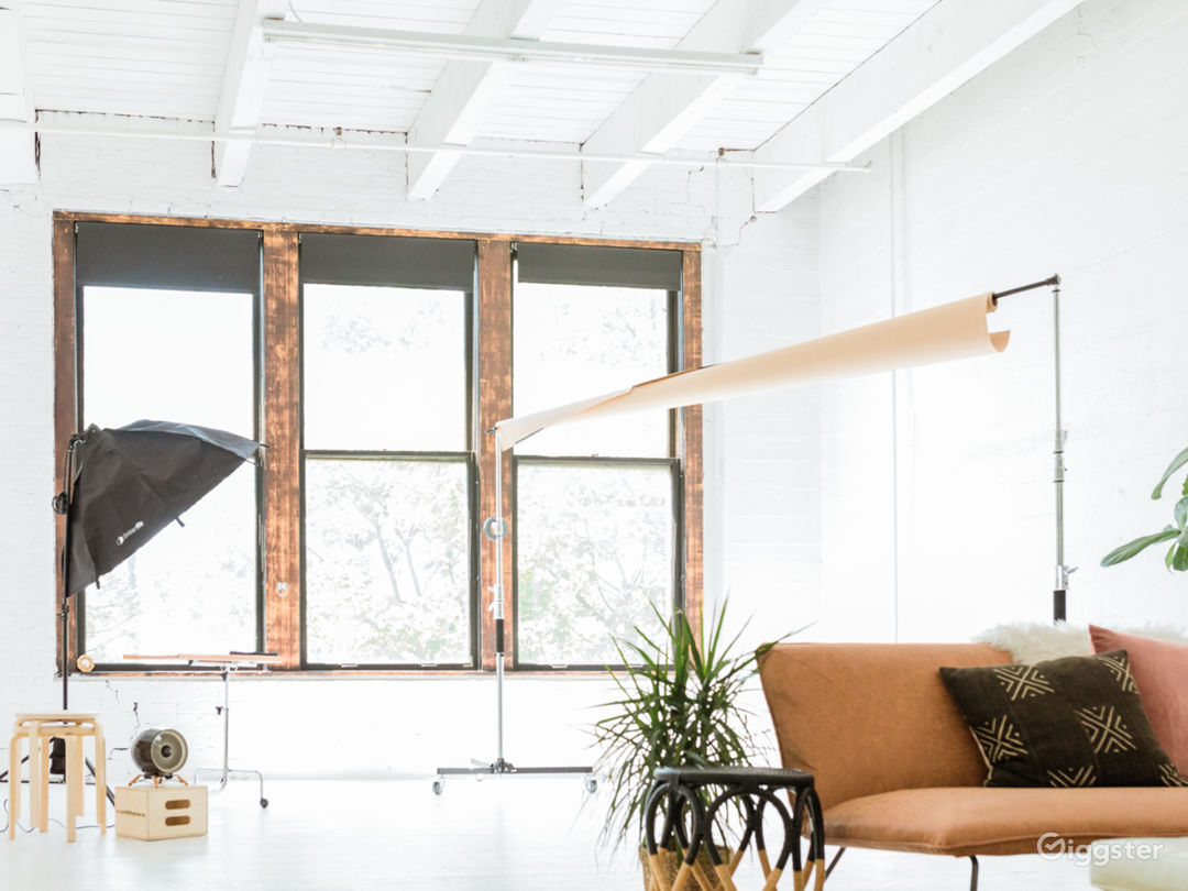 Bright White Natural Light Studio in SODO Photo 1