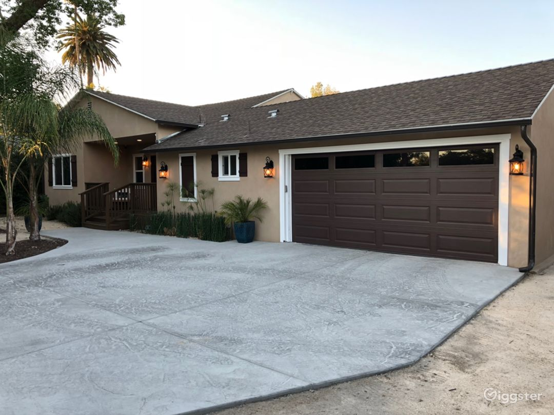 Right front / Garage