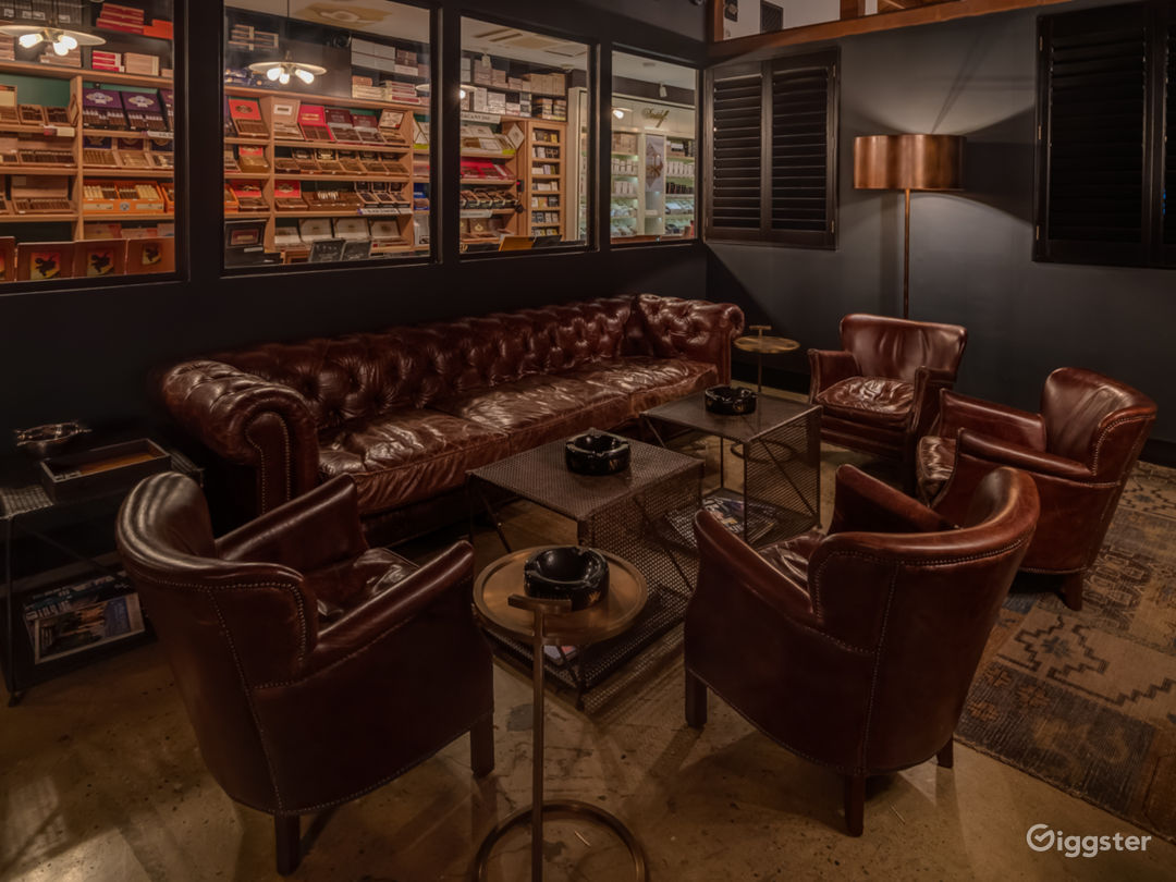 Exclusive Luxurious Private Members Cigar Lounge Photo 1