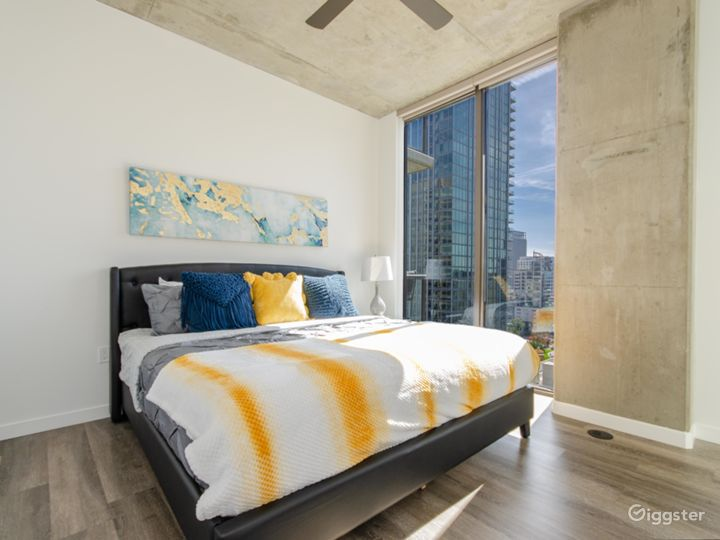 CLASSY SPACE IN DOWNTWON LA Photo 5
