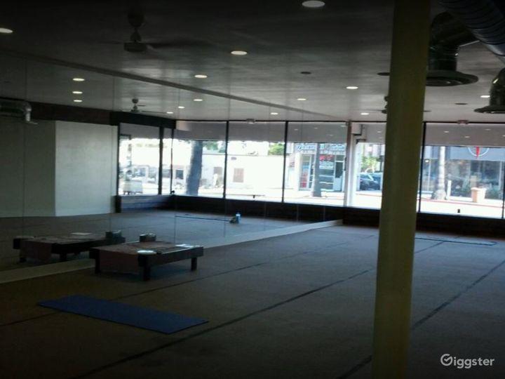 Spacious and Relaxing Yoga Studio Photo 5