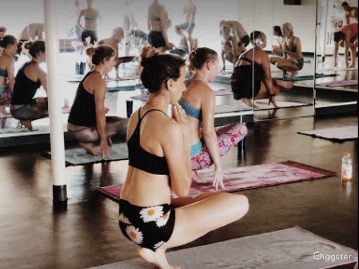 Spacious and Relaxing Yoga Studio Photo 4