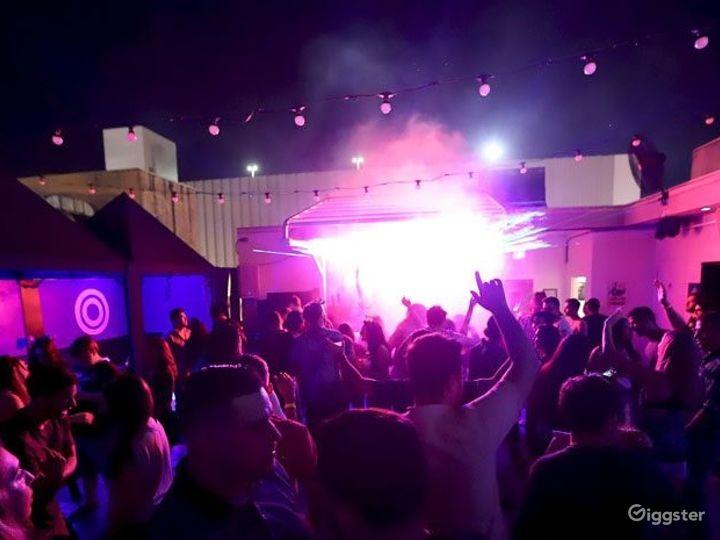 Downtown Orlando's rooftop nightclub Photo 5