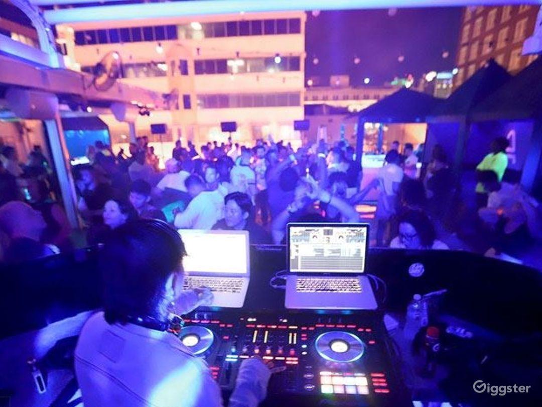 Downtown Orlando's rooftop nightclub Photo 1
