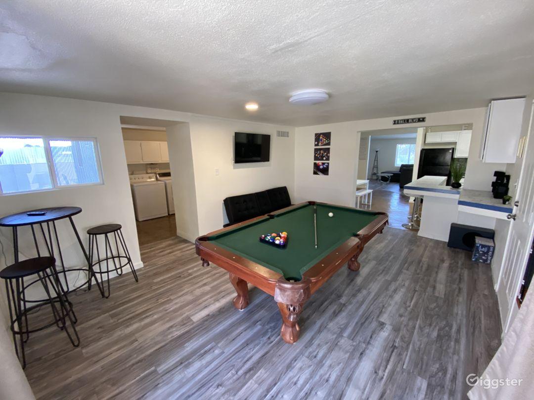 Spacious Vegas home, open floor plan entertainment Photo 2