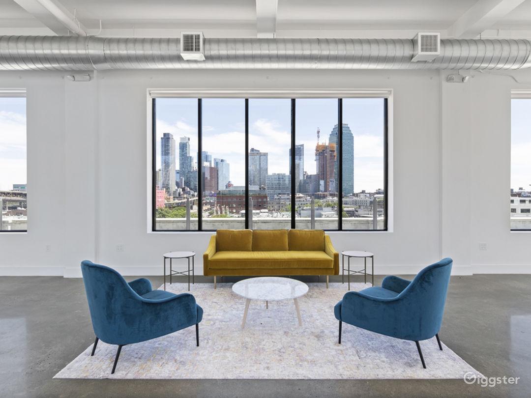 Large Loft w/NYC Views: Location 5171 Photo 1