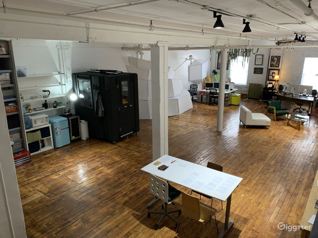 Adaptable Production Space for Shoots or Meetings Photo 1