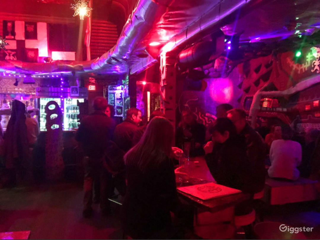 Quirky Dive Bar in San Francisco Photo 1