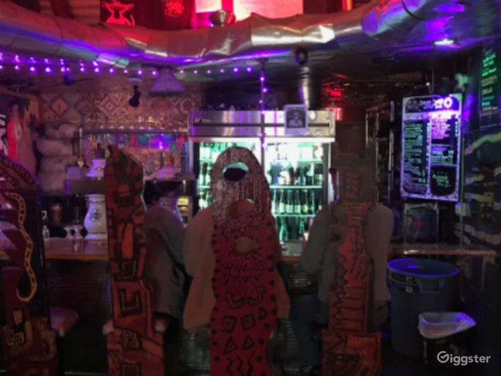 Quirky Dive Bar in San Francisco Photo 4