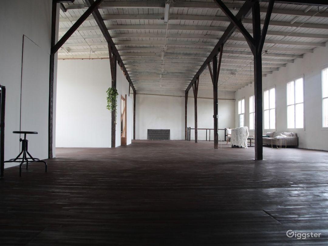 Warehouse LA 40,011 Photo 1
