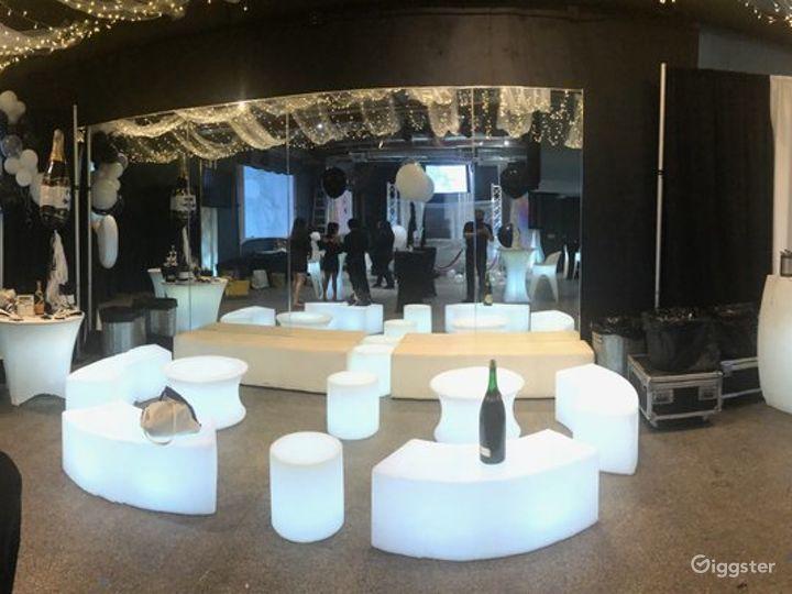 Light up Lounge & LED Dance floor Photo 2