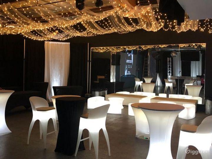 Light up Lounge & LED Dance floor Photo 3