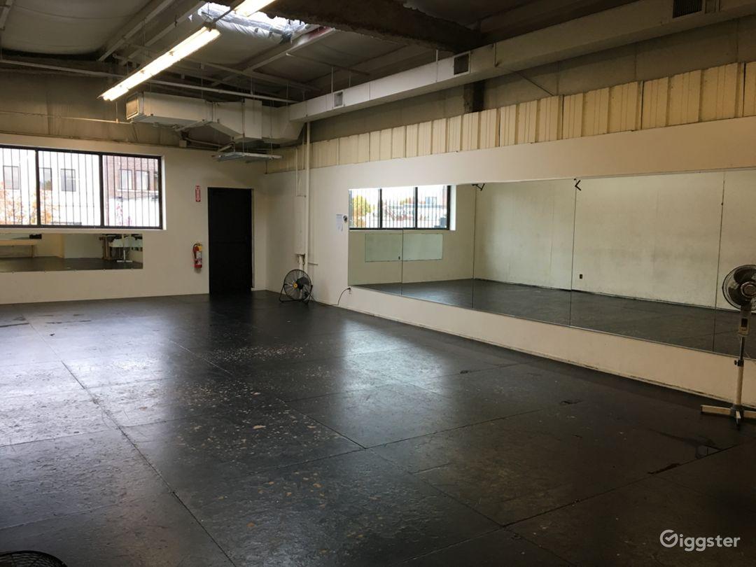 Studio 3 Percussive dance floor 18′-6″ x 43′-9 or 819 sq ft