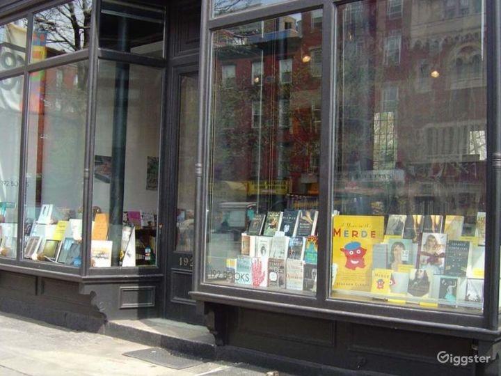 Bookshop: Location 4250 Photo 4