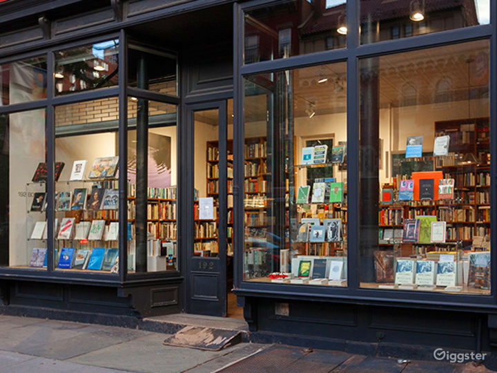 Bookshop: Location 4250 Photo 5
