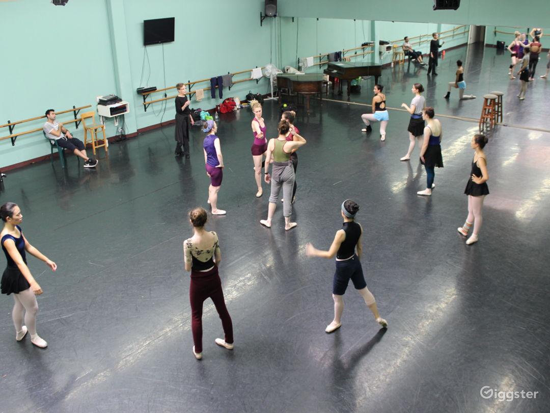 Studio 1 Dancing