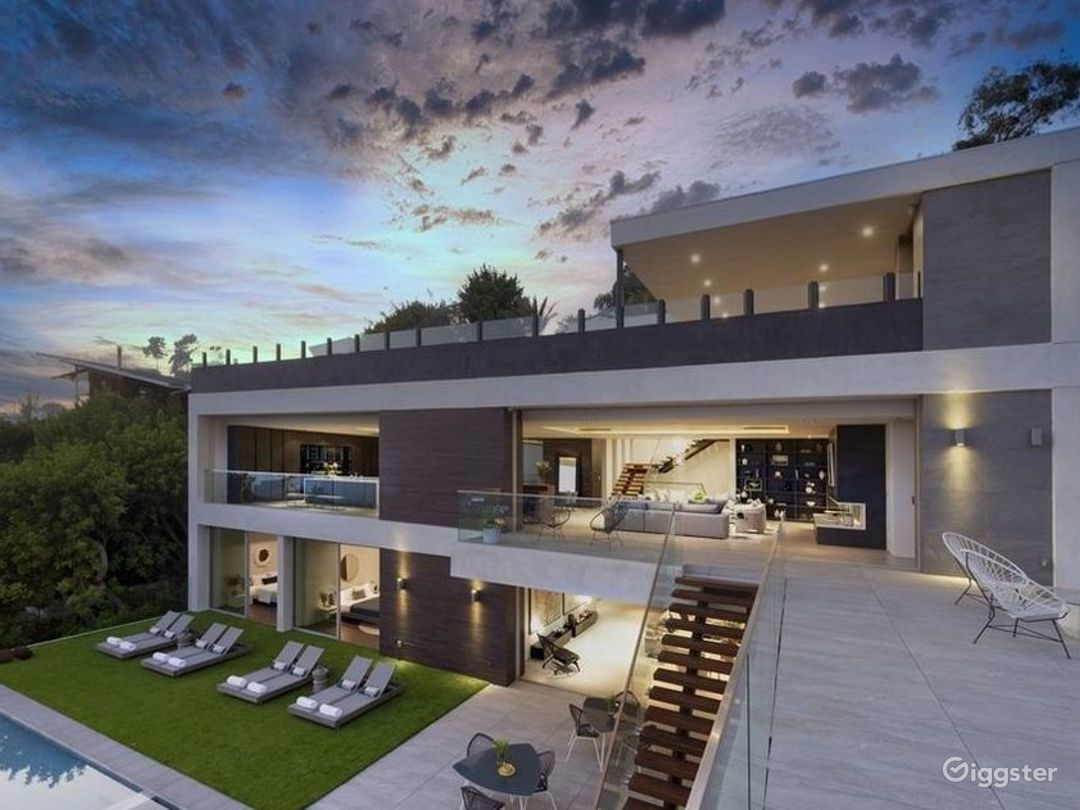 Entertainers Paradise in Hollywood Hills Photo 1