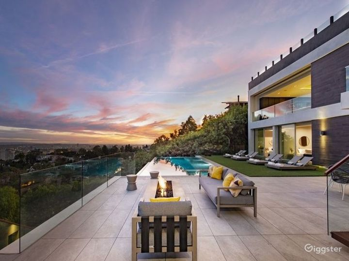 Entertainers Paradise in Hollywood Hills Photo 2