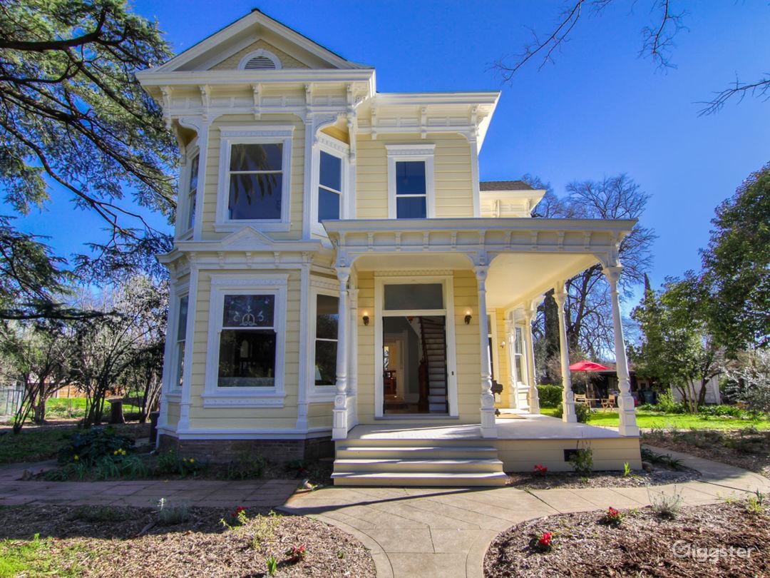 Urban Victorian farmstead - aka Manlove Mansion built ca 1861