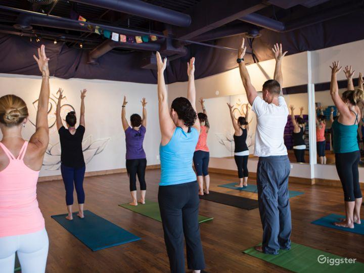 Warm and Upscale Yoga Studio in Colorado Photo 2