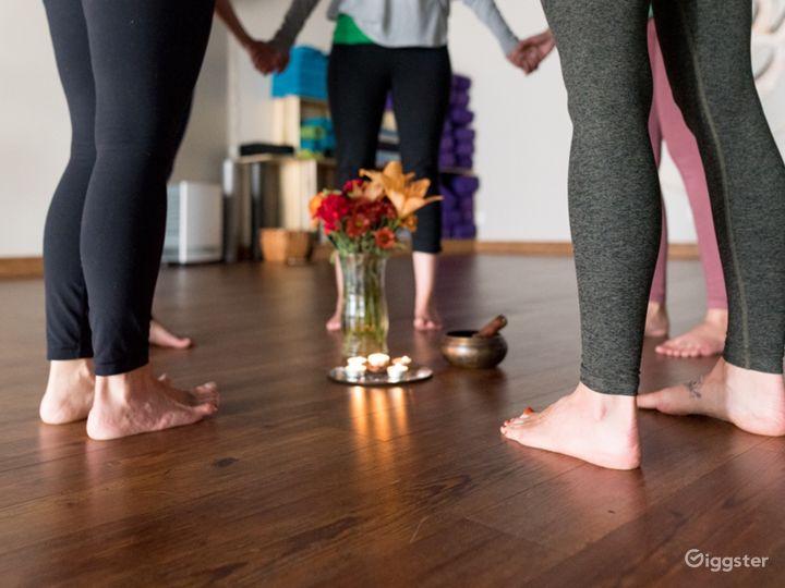 Warm and Upscale Yoga Studio in Colorado Photo 3