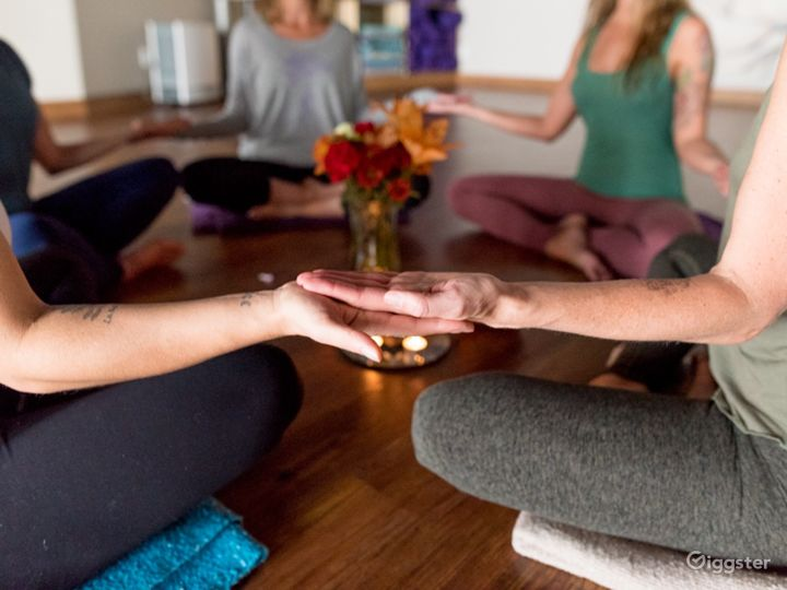 Warm and Upscale Yoga Studio in Colorado Photo 5