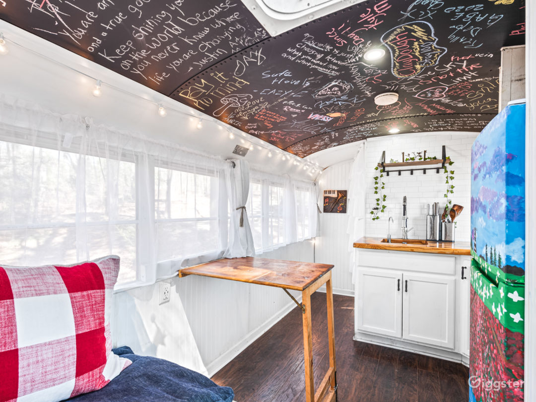 Mobile TinyHome With Tons of Natural Light. Photo 1