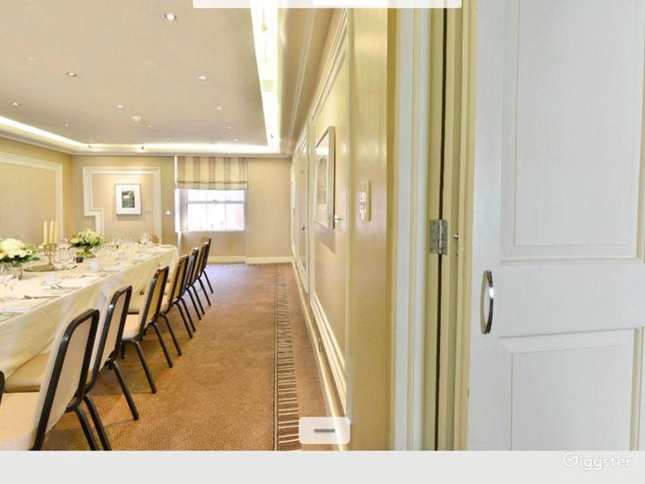 Charming Shelburne Room in London Photo 2