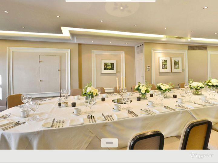 Charming Shelburne Room in London Photo 3