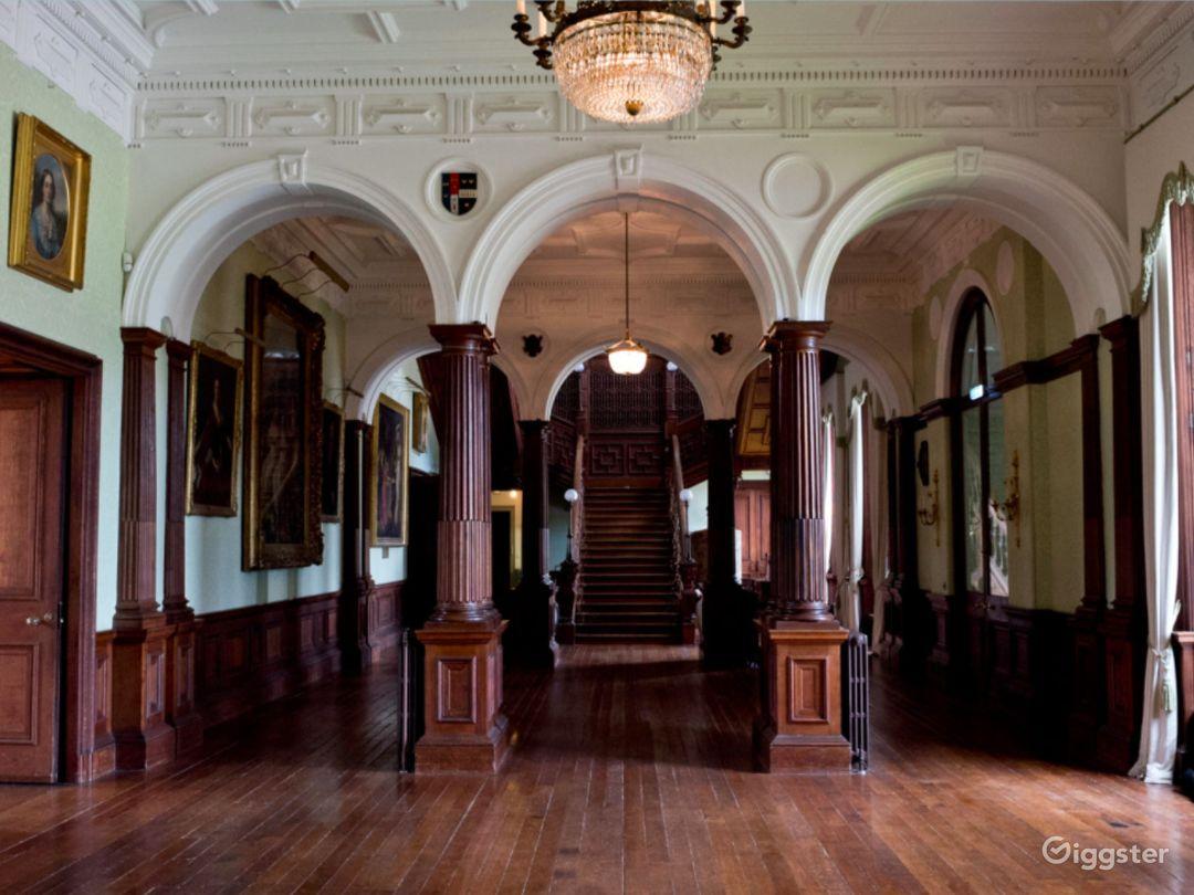 Stunning Grand Hall in Staffordshire Photo 1
