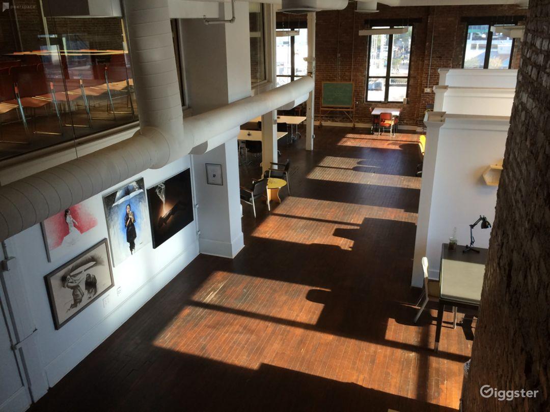 Loft Creative Office Space with Amazing Views Photo 2