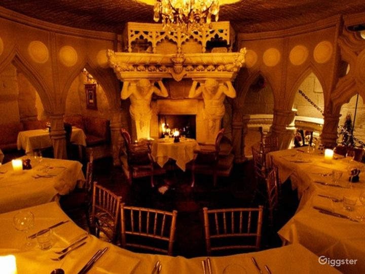 Deluxe Private Dining Room in London Photo 3