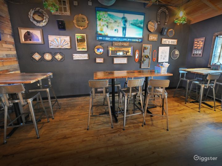 Bright and Cozy Restaurant (Buyout) Photo 3