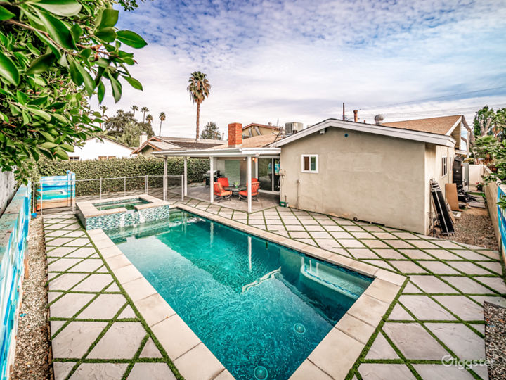 Beautiful house pool/spa in prime location  Photo 5