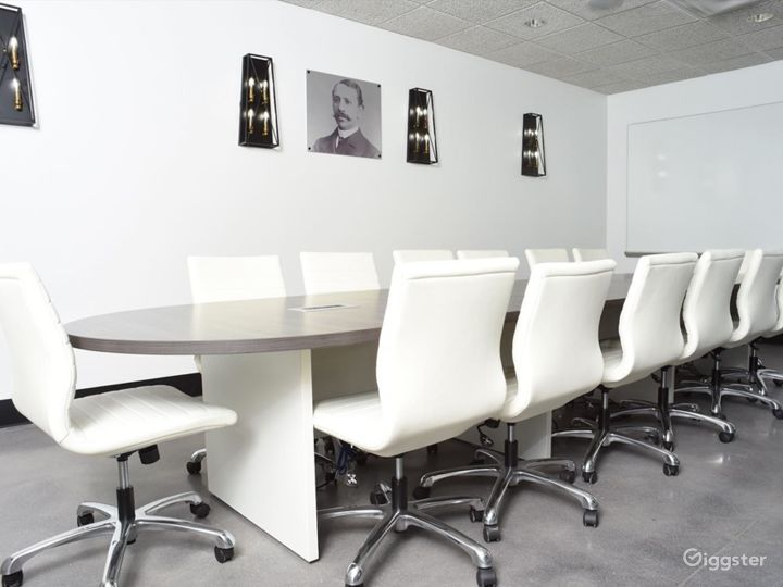 Modern Conference Room with Natural Light Photo 4