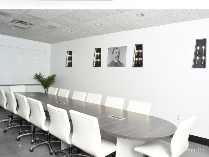 Modern Conference Room with Natural Light Photo 5