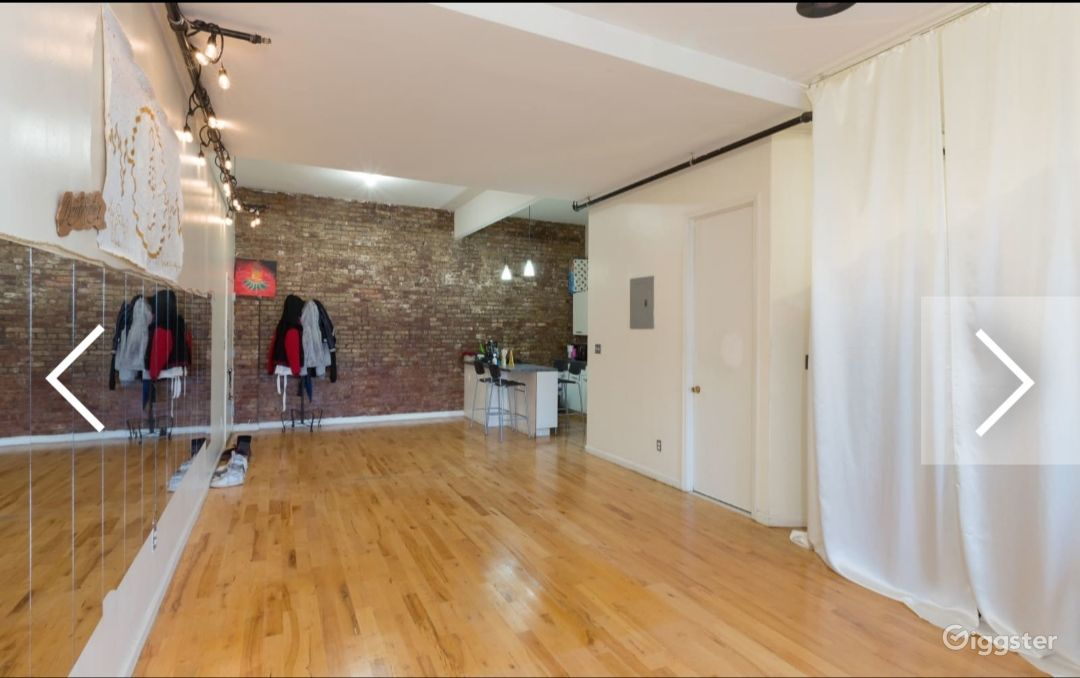 Huge loft apartment in Brooklyn 970sq ft