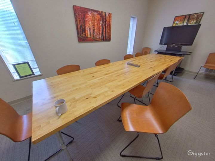 The Fall Conference Room Photo 3