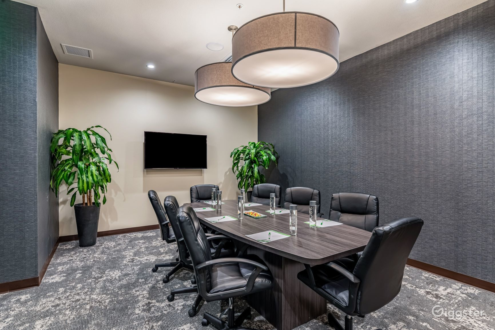 Private boardroom space in Silicon Valley Photo 1