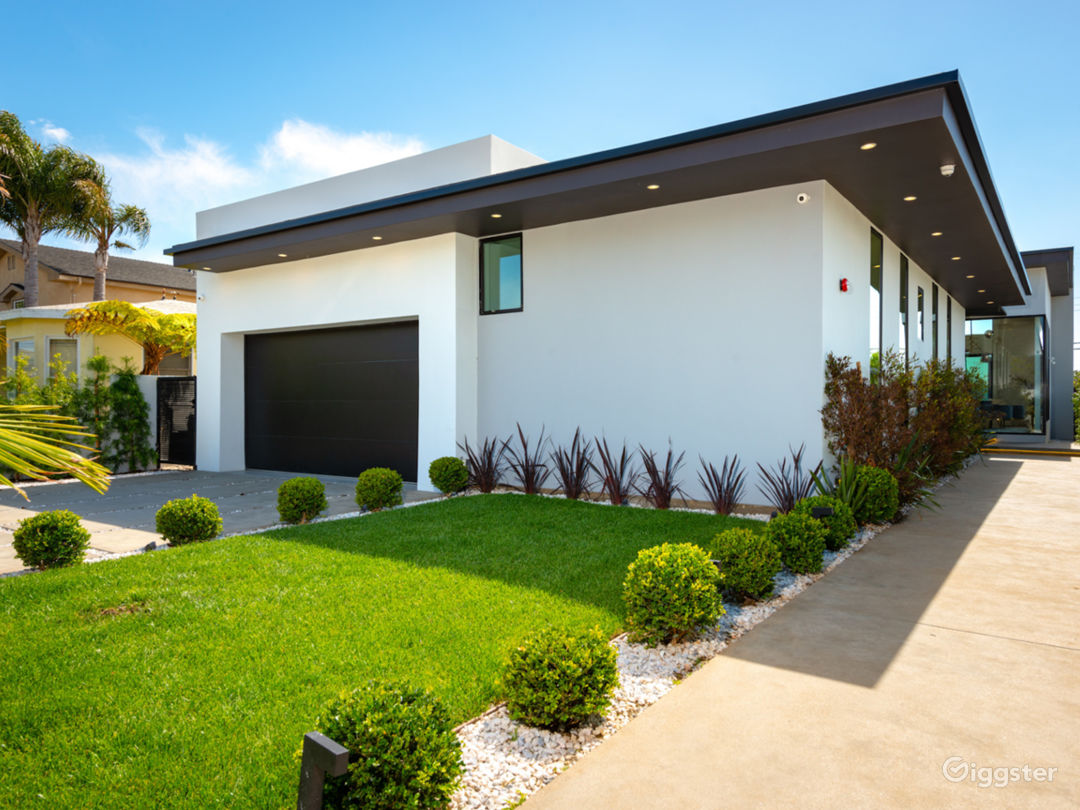 Stunning contemporary front