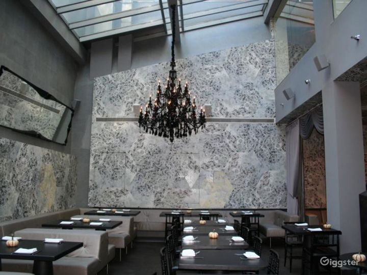Upscale restaurant and bar: Location 4274 Photo 2