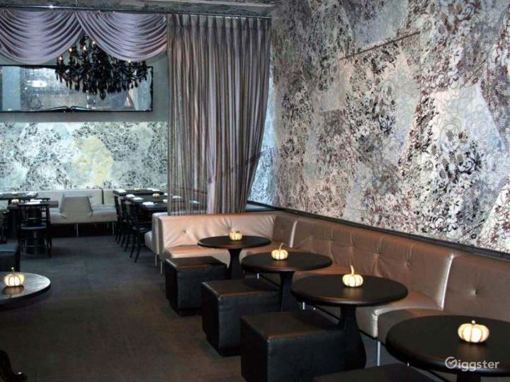 Upscale restaurant and bar: Location 4274