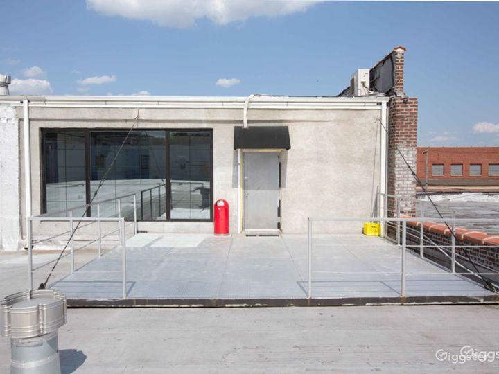 Versatile Rooftop & Deck