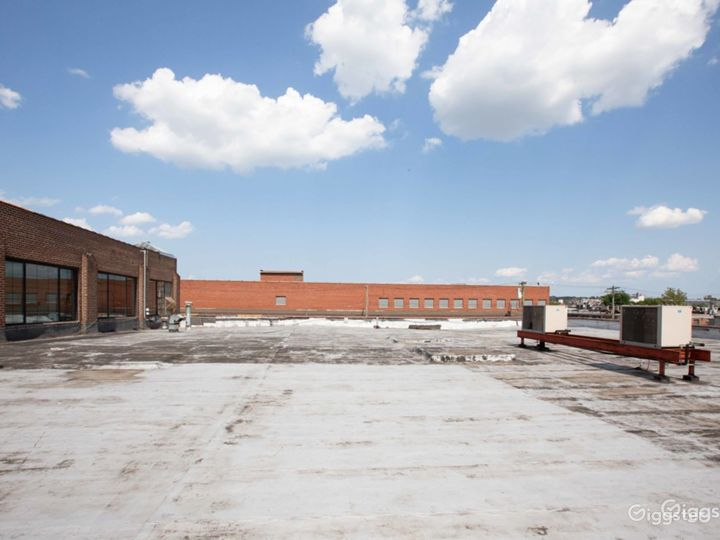 Versatile Rooftop & Deck Photo 2
